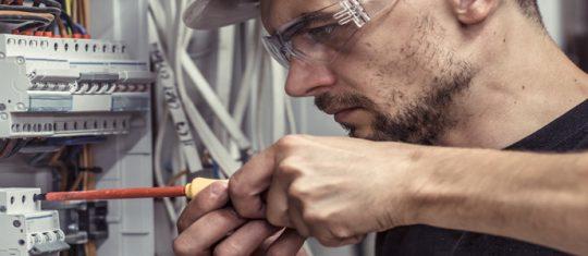 Travaux d'électricité : trouver des artisans spécialisés à Nort sur Edre